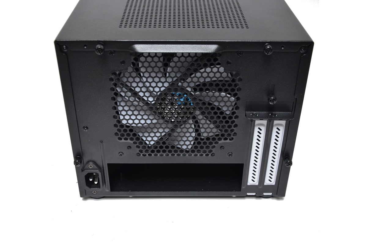 Fractal Design Core 500 tył