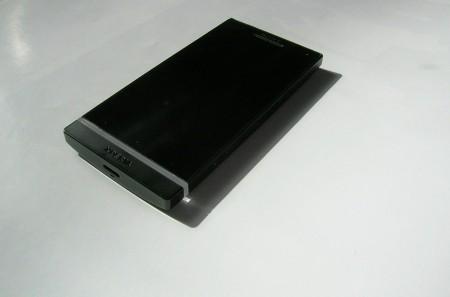 Sony Xperia S widok z przodu