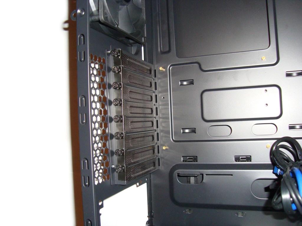 SilentiumPC Gladius X80 Pure Black - śledzie