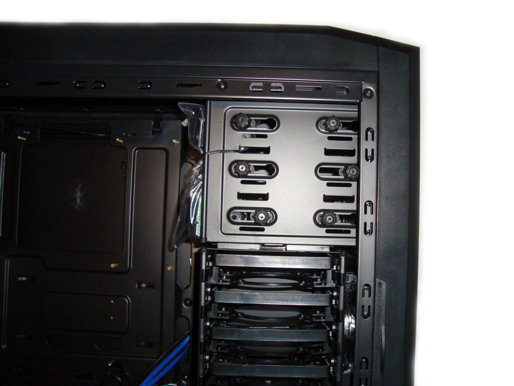 SilentiumPC Gladius X80 Pure Black - zatoki 5,25