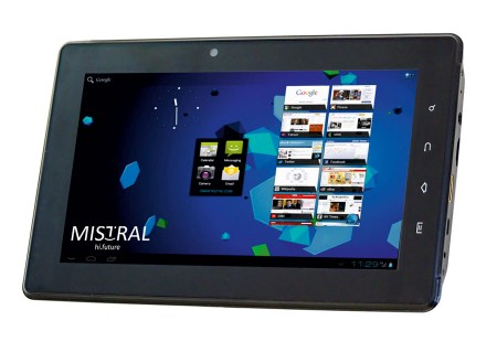mistral-traveler-2-tablet-1