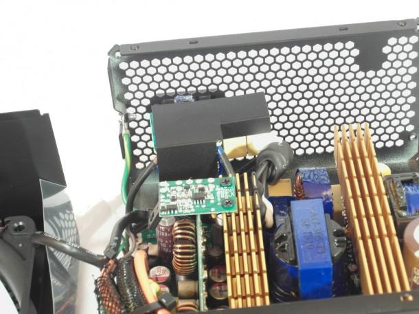 Fractal Design Newton R3 600W wtyk AC wnętrze