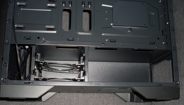 silentiumpc gladius 35 komora zasilacza i sanki HDD