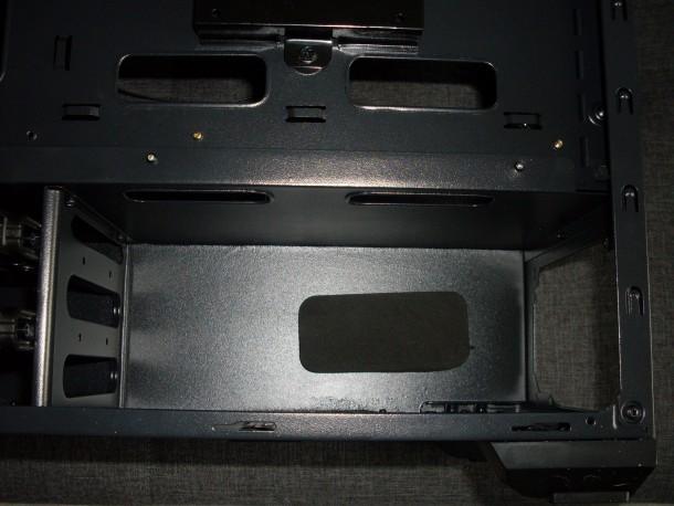 silentiumpc m45w komora na zasilacz i dyski twarde (2)