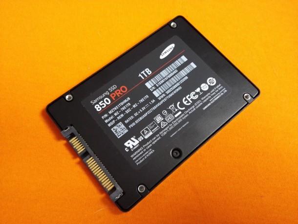 samsung 850 pro 1tb spód urządzenia