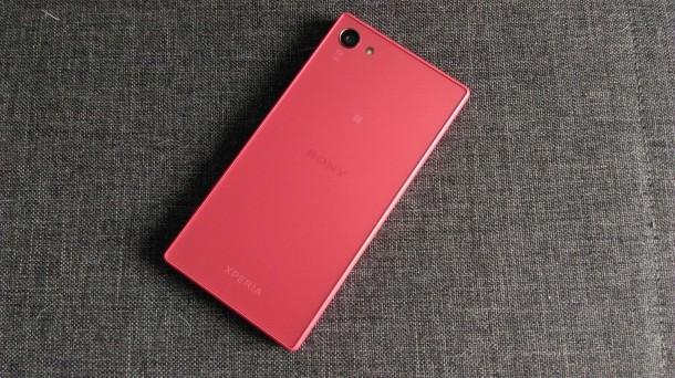 sony xperia z5 compact plecki smartfona