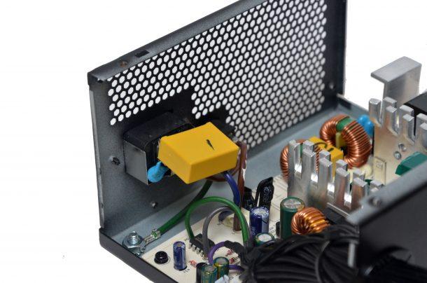 SilverStone ET650-B wtyk ac wnętrze