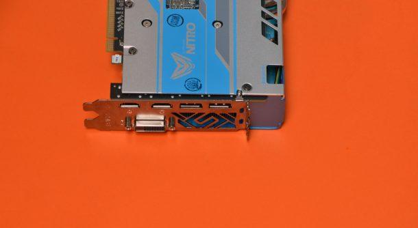 Sapphire RX580 Nitro+ 8GB Special Edition wygląd karty wyjścia obrazu