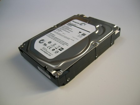 right side ST3000DM001 seagate hdd