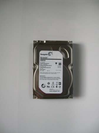 front ST3000DM001 hdd seagate